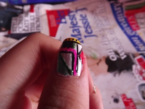 aztec nails- triangles