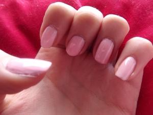 Pink scente nail varnish